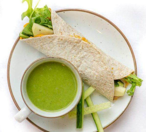 Broccolisoep met wraps