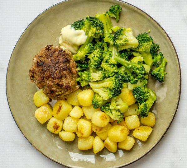 Krieltjes met broccoli en gehaktballen