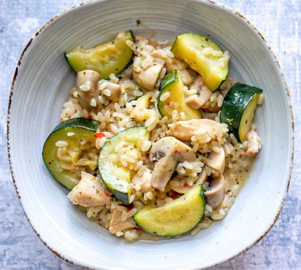 Romige rijst met courgette en champignons