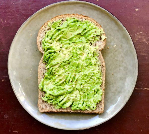 Sandwich avocado en chilipeper