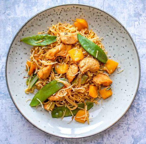 Thaise noedels met pittige kip