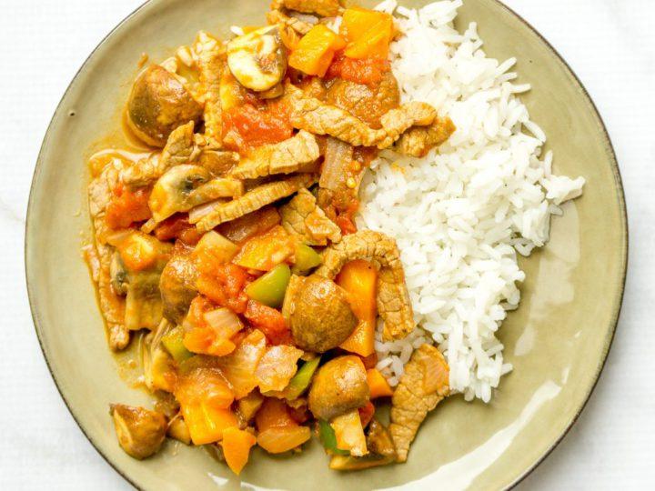 Snelle goulash met rijst