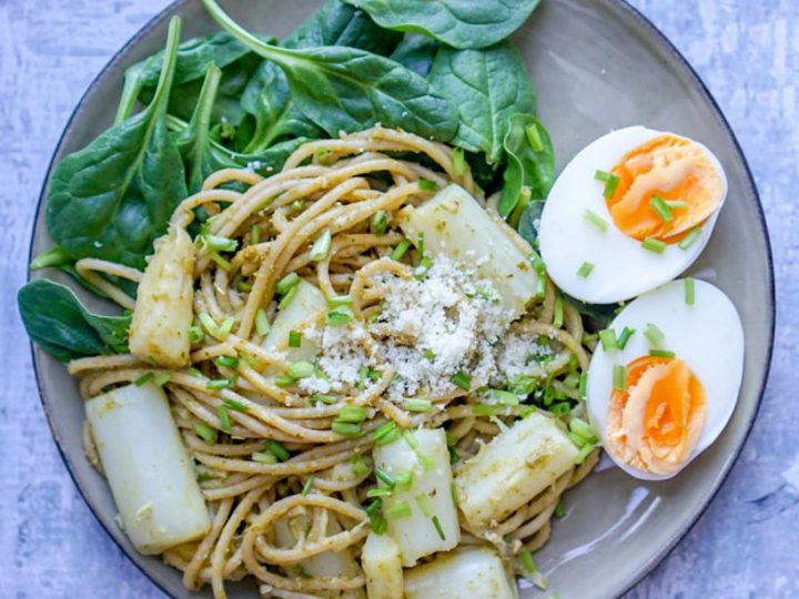 Spaghetti met asperge en ei