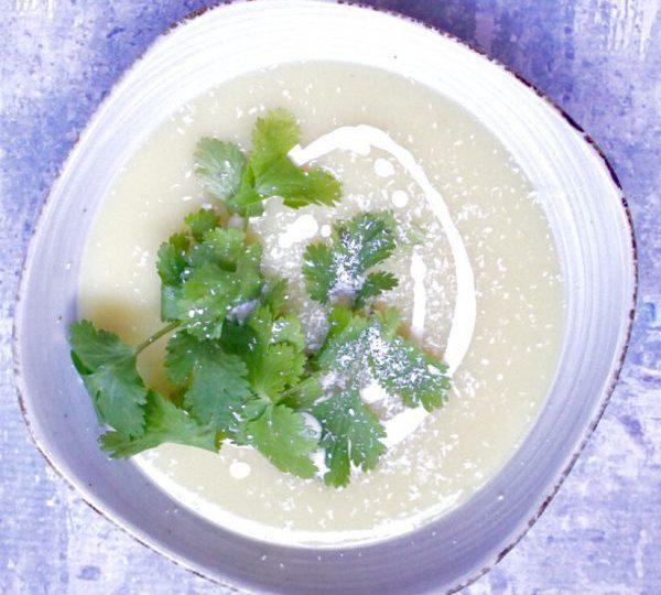 Groene curry soep met bloemkool