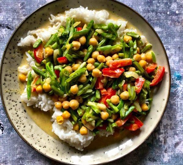 Curry met snijbonen en kikkererwten